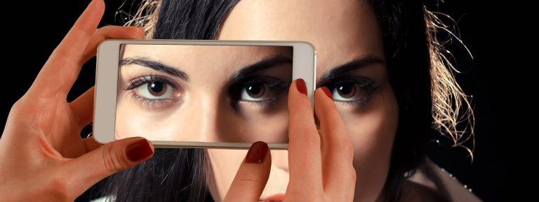 Technology is Redefining the Cosmetics Industry